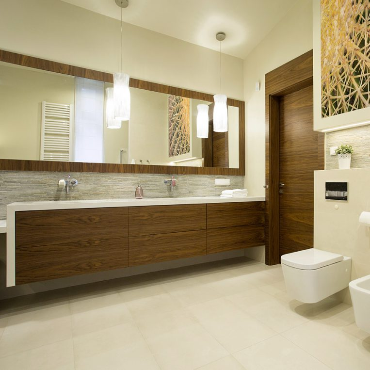 complementi su misura in legno per bagno
