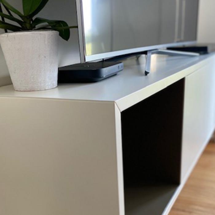 mobile-tv-in-legno